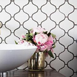 Дизайнерски решения с плочки за баня с вдъхновяващ резултат